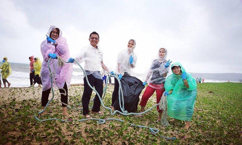 Angsana Laguna Phuket CSR Activity   International Coastal Cleanup Day