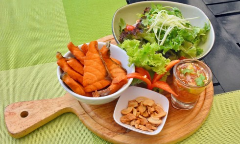 Promotion: Taste of Spicy Salmon & Green Salad, Deevana Patong Resort & Spa