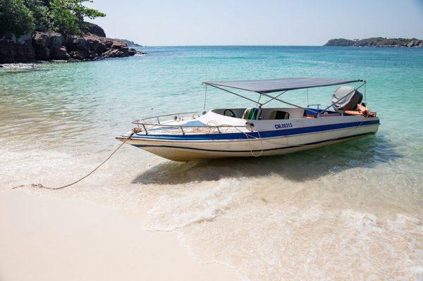 Đến Phú Quốc không thể không trải nghiệm dịch vụ cano trên biển