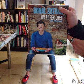people-match-books-covers-librairie-mollat-18