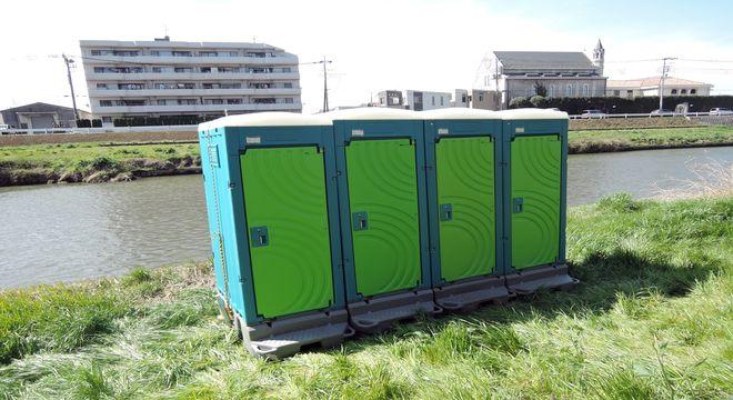 簡易トイレ(外側)