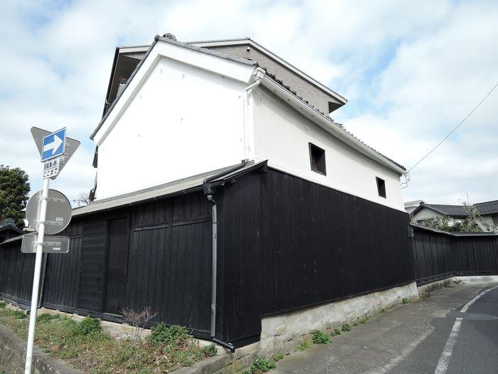 有瀧家の黒板塀