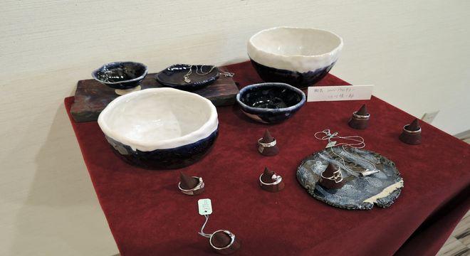 陶芸作品とシルバーアクセサリー