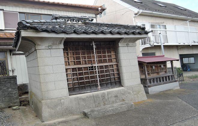 神明神社 合祀社と神輿庫