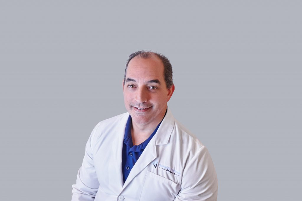 Dr. Alejandro Tapia performs laser spine procedures in Palm Beach County