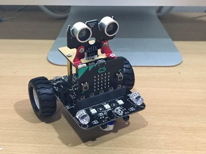 Micro:bit Line-Following Robot