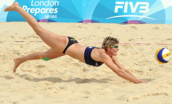 Beach-volley-Bresilienne-plongeon