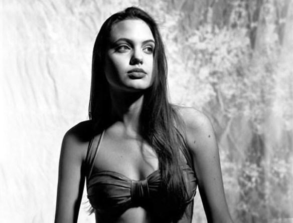 Angelina-Jolie-16-ans-ado