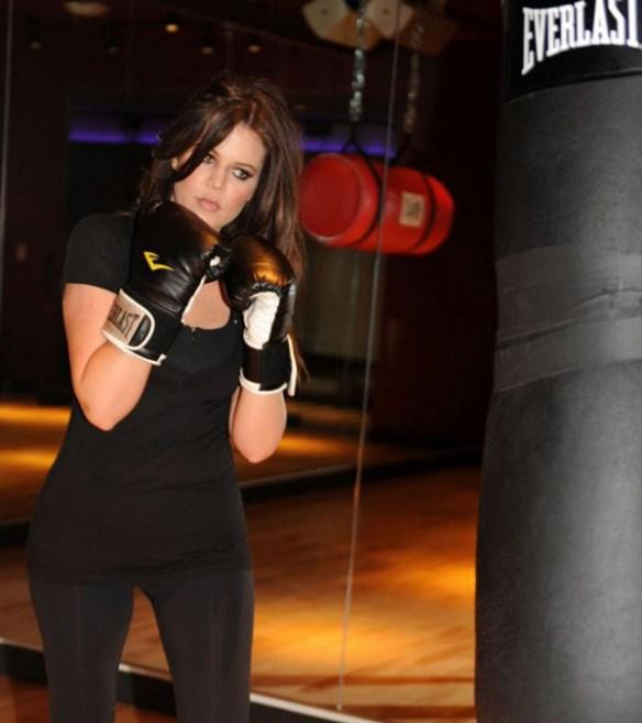 khloe-kardashian-sport-boxe