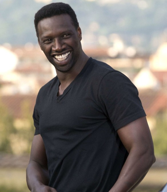omar-sy-muscles-sourire