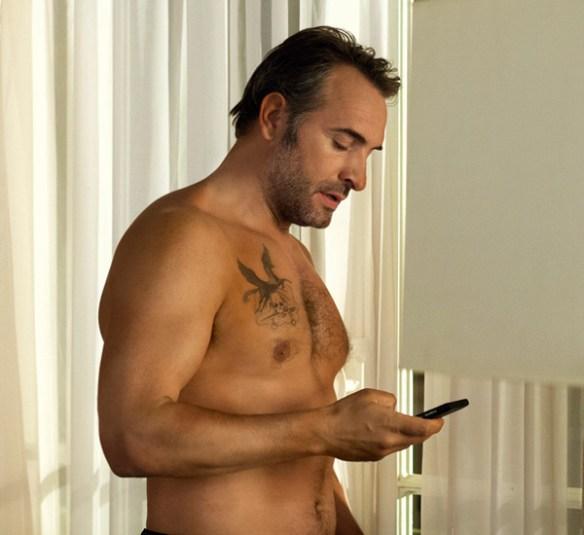 Jean-Dujardin-nu-sexy-torse-muscles