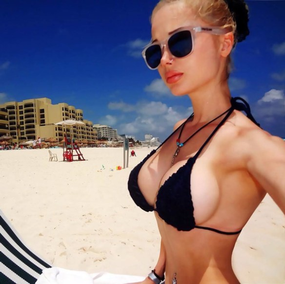 Lukyanova-barbie-sosie-sexy