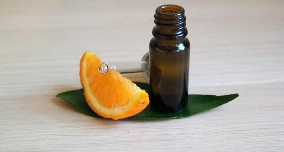 comment utiliser facilement l'huile essentielle d'orange et toutes ses caractéristiques et indications requises pour l'employer en sécurité
