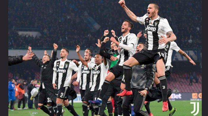 Salah Satu Pemain Pjanic Baru Saja Meminta Maaf Coal Kartu Merah Yang Di Terimanya Saat Clubnya Berhadapan Dengan Club Skuat Napoli