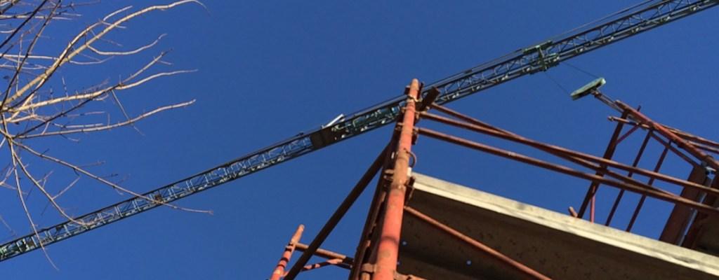 Interferenze nell'utilizzo della gru a torre: indicazioni tecniche