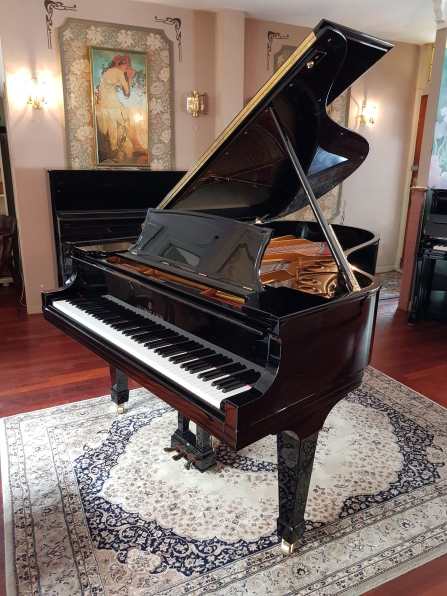 Steinway & Sons Model A3