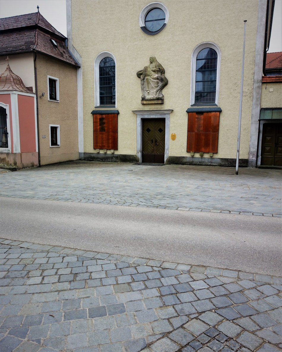 Fahrbahn Klosterkirch Waidhofen 23.3.2017 ferne.jpg