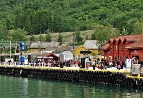 Flam Bahn und Schiff Station
