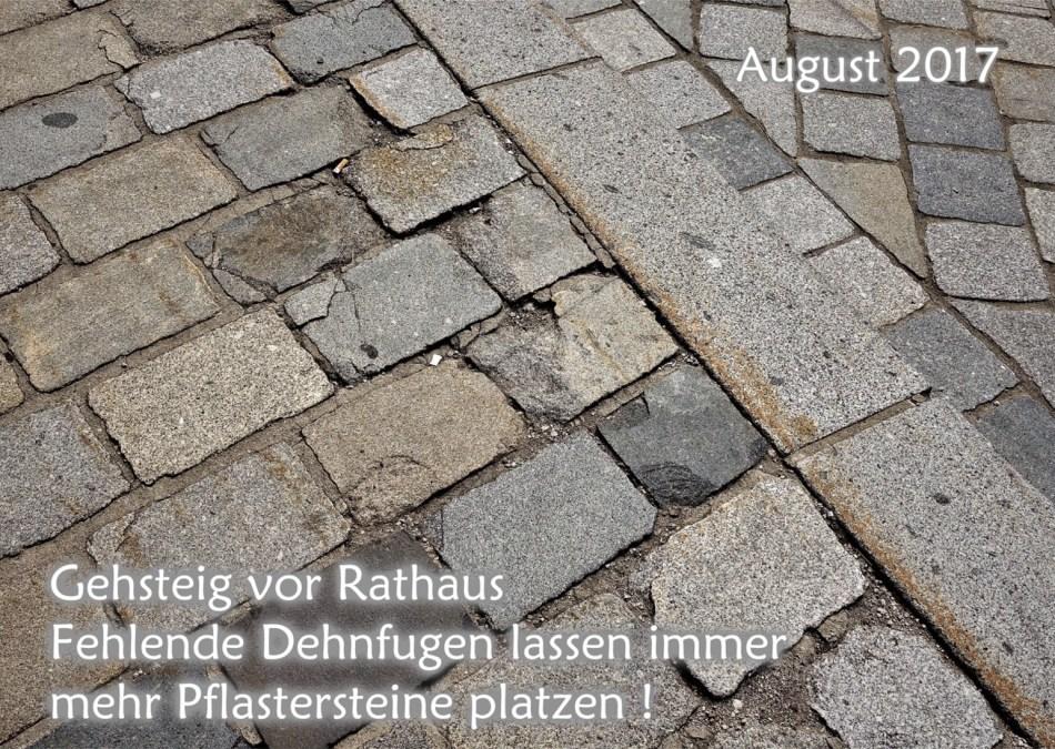 Gehsteig vor Rathaus 2017