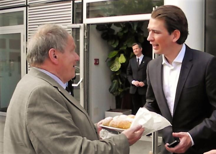 Minister Sebastian Kurz - Karl Piaty - Piaty Wuchteln