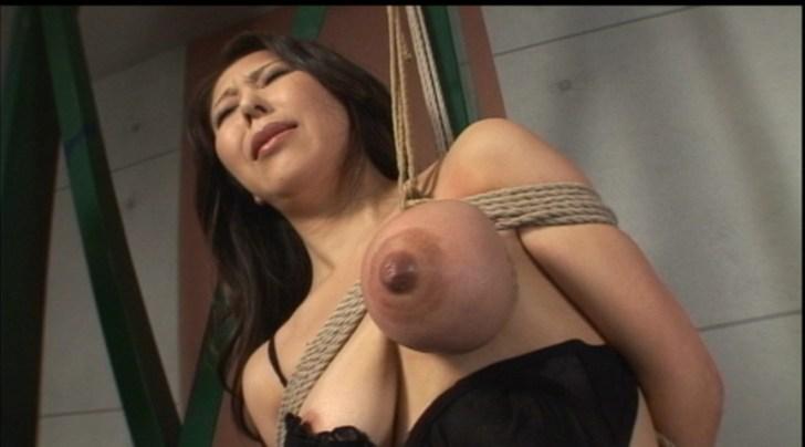 乳房拷問 おっぱい縄しぼり
