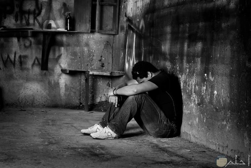 10 صور أبيض وأسود شباب للفيس بوك وانستجرام