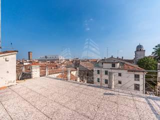 Case E Appartamenti Piazza Dei Signori Padova Immobiliareit