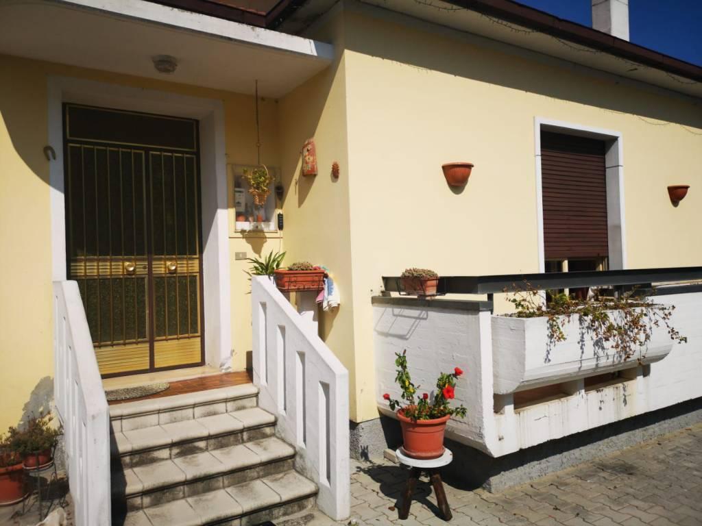 Vendita Casa Indipendente In Via Tirino 388 Pescara Buono