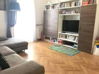 Case E Appartamenti Via Bartolomeo Eustachi Milano