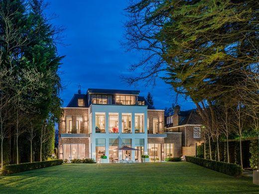 London Villas And Luxury Homes For Sale Prestigious Properties In London Luxuryestate Com