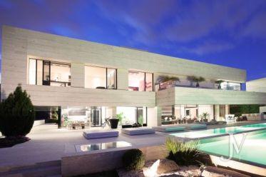 Madrid: villas y casas de lujo en venta - Viviendas exclusivas municipio de  Madrid | LuxuryEstate.com