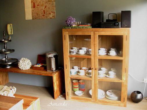 咖啡杯櫃子.jpg