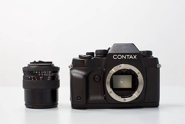 Contax RX II with Carl Zeiss with 2.8/25