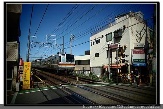 東京《自由之丘》鐵路.jpg