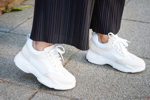 Yahoo雙11購物節特輯 錯過今天沒有明天!Ann%5CS 超夯小白鞋 奶茶色老爹鞋穿搭13.jpg