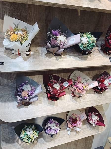 台北質感花店推薦,小型乾燥花束滿天星.JPG