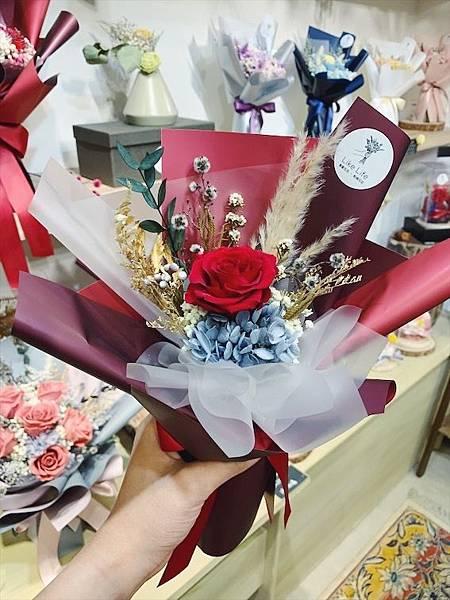 台北質感花店推薦,中型永生玫瑰花束紅色.JPG