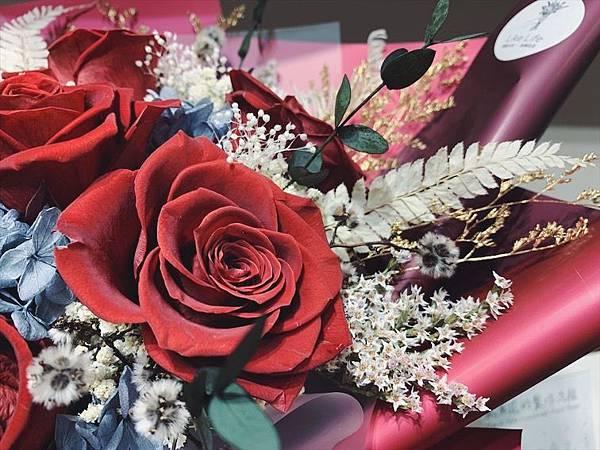 母親節乾燥花束推薦,永生玫瑰花束特寫紅色.JPG