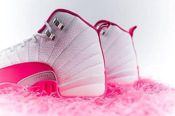air-jordan-12-pink-white-2016-girls-8.jpg
