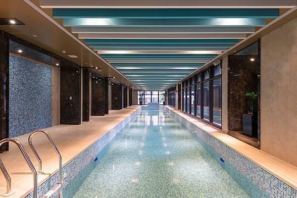 台灣移民-室內游泳池
