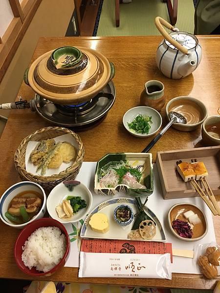 [ 2017一個人的京阪神 ] Day2-京都-品味順正湯豆腐,京都車站探險去,尋訪拉麵小路