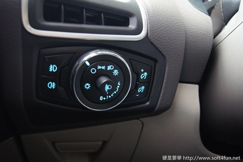 [試駕]令人驚艷的福特 Focus MK3 1.6L GHIA 18_thumb