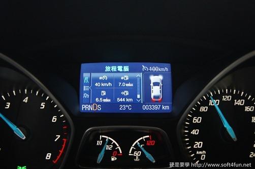 [試駕]令人驚艷的福特 Focus MK3 1.6L GHIA 36_thumb