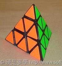 紀念魔術方塊 40 周年,Google 邀你一起線上解魔方! Pyraminx_solved