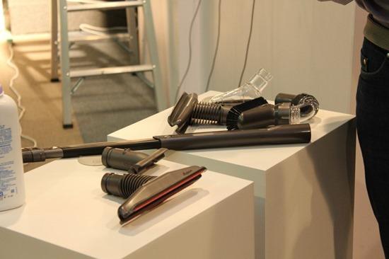 Dyson 發表 DC74 Fluffy 無線吸塵器,全新吸頭  大小顆粒不漏吸 DysonDC74Fluffy15