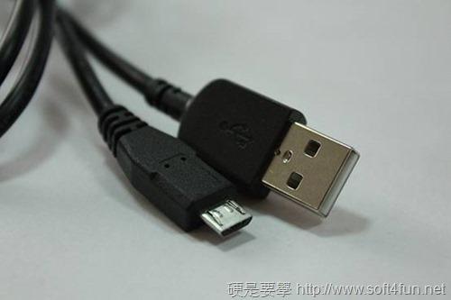 [開箱] Sony SRS-BTV5 NFC藍牙球型喇叭(含無線聽筒) clip_image0184