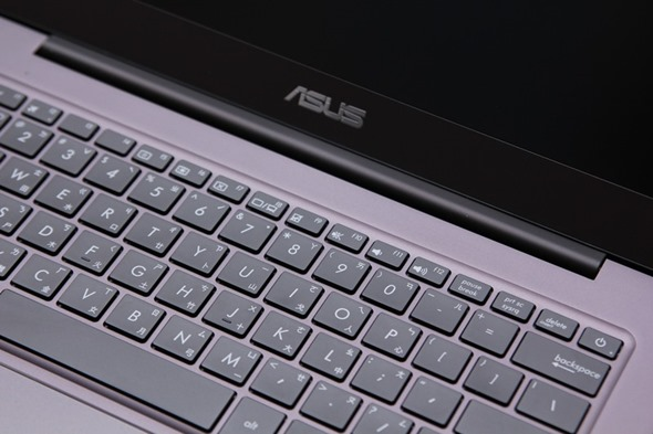 ASUS ZenBook UX305 超輕薄筆電評測,比輕薄更加輕薄! image017