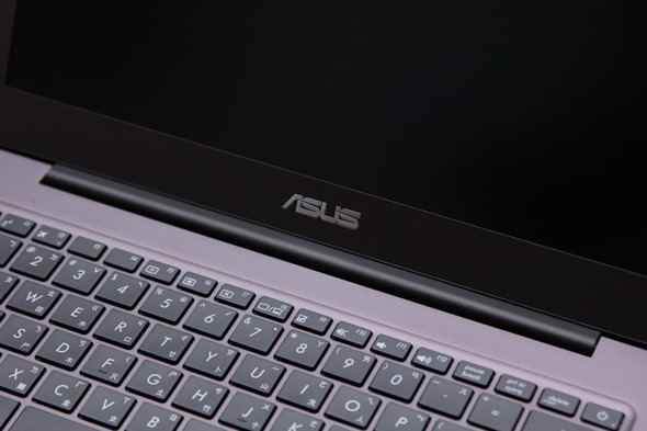 ASUS ZenBook UX305 超輕薄筆電評測,比輕薄更加輕薄! image022