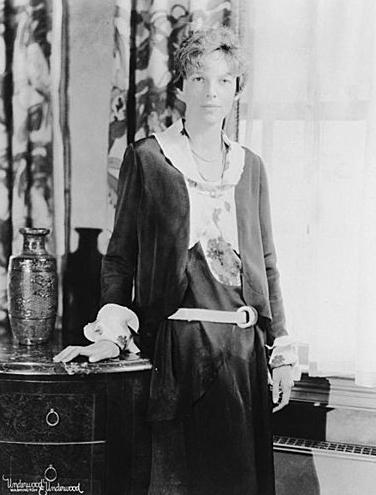 Amelia Earhart 首位飛越大西洋的女飛行員 115 歲誕辰(Google Doodle) Amelia-Earhart-01