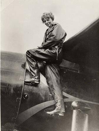 Amelia Earhart 首位飛越大西洋的女飛行員 115 歲誕辰(Google Doodle) Amelia-Earhart-04_thumb